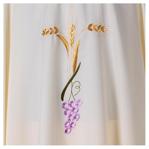 Casulla con tres espigas doradas y uva estilizada 2