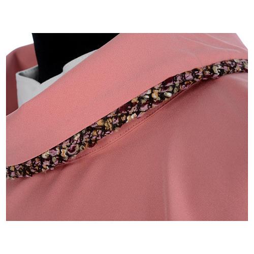 Ornat różowy 100% poliester wstawki tkaniny krzyż haftowany 6