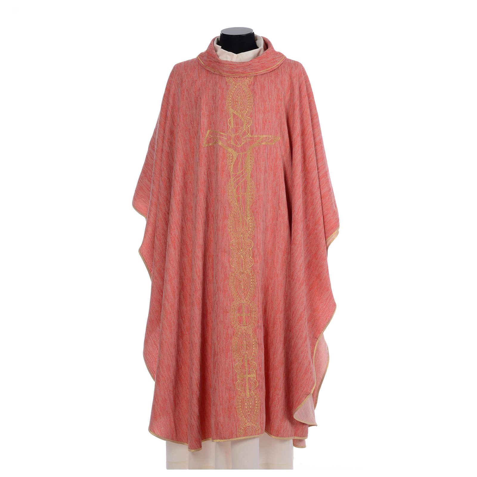 Casula liturgica con croce e ricami in oro 4
