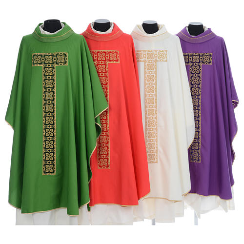 Liturgical chasuble with cross embroidery 1