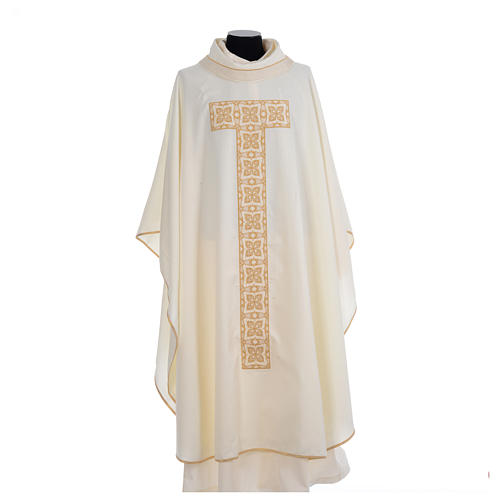 Liturgical chasuble with cross embroidery 5