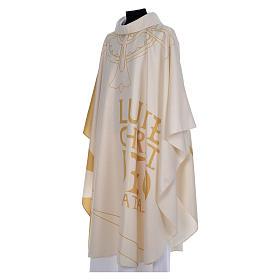Chasuble liturgique avec décorations en or s2