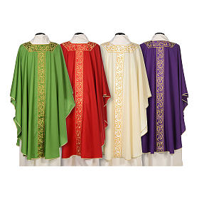 Chasuble 100% wool textured fabric with decorated neckline and gallon s2