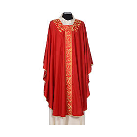 Chasuble 100% wool textured fabric with decorated neckline and gallon s4