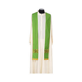 Chasuble 100% wool textured fabric with decorated neckline and gallon s7