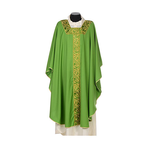 Chasuble 100% wool textured fabric with decorated neckline and gallon 3