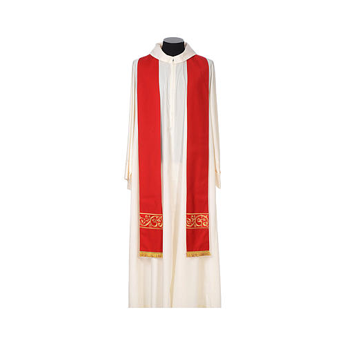 Chasuble 100% wool textured fabric with decorated neckline and gallon 8