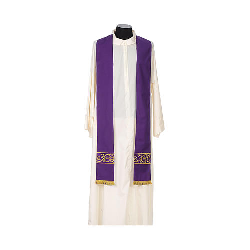 Chasuble 100% wool textured fabric with decorated neckline and gallon 10