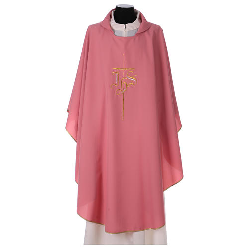 Casulla rosa poliéster IHS cruz estilizada 1