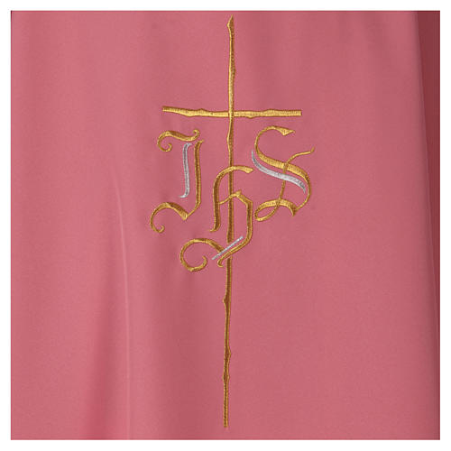 Casulla rosa poliéster IHS cruz estilizada 2