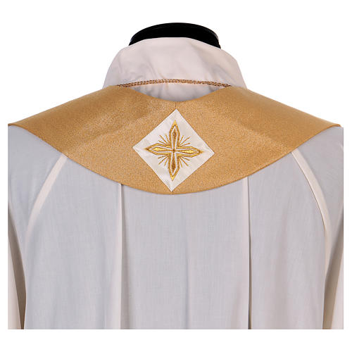 Casula colore oro IHS con croce lana e lurex 9