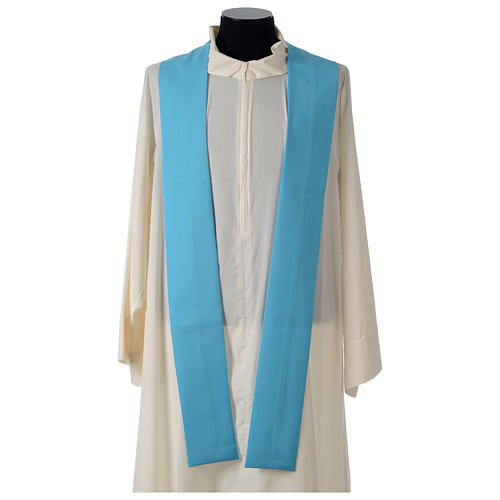 Chasuble bleue symbole marial 7