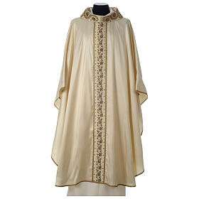 Chasuble 100% silk with handmade embroidery on gallon, V neckline s1