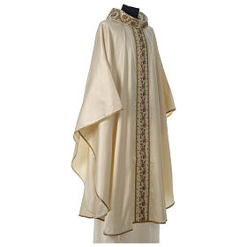 Chasuble 100% silk with handmade embroidery on gallon, V neckline s4