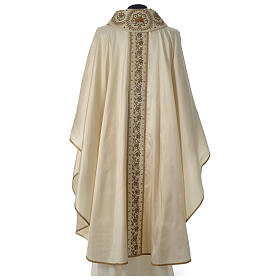 Chasuble 100% silk with handmade embroidery on gallon, V neckline s5