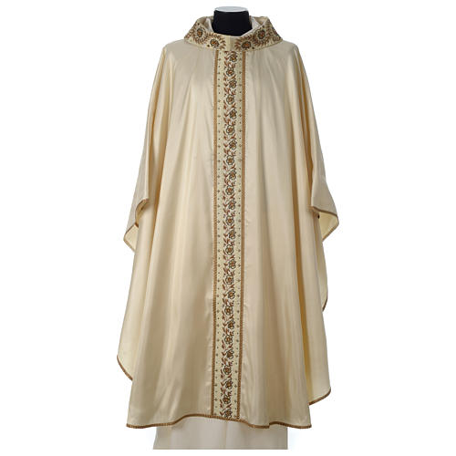 Chasuble 100% silk with handmade embroidery on gallon, V neckline 1