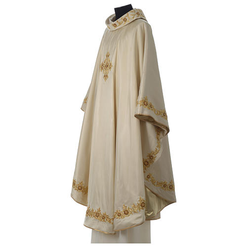 Chasuble 100% silk with handmade embroidery, V neckline 3