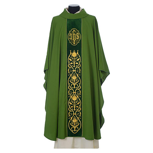 Chasuble in wool with velvet IHS symbol and embroidery 3