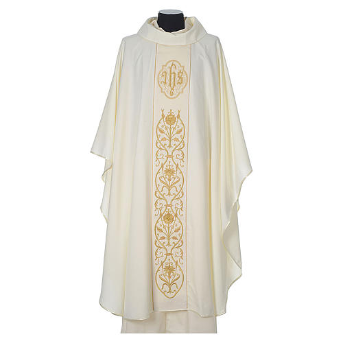 Chasuble in wool with velvet IHS symbol and embroidery 5