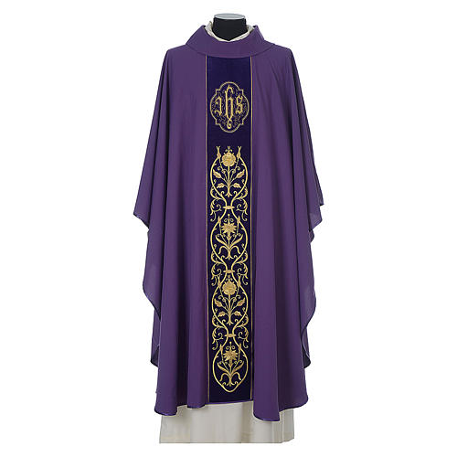 Chasuble in wool with velvet IHS symbol and embroidery 6