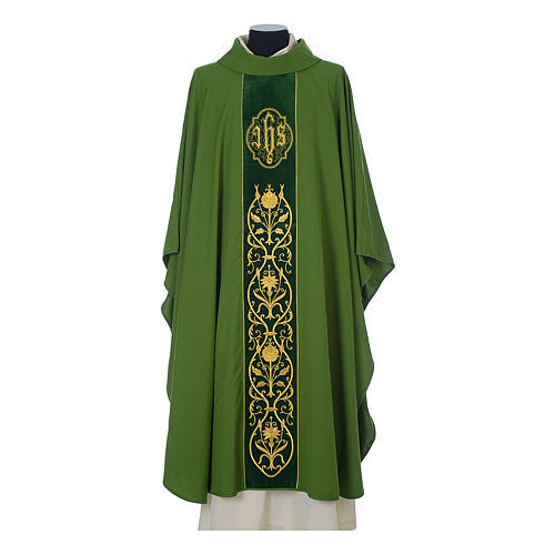 Wool chasuble with IHS floral decorations on velvet galloon 3