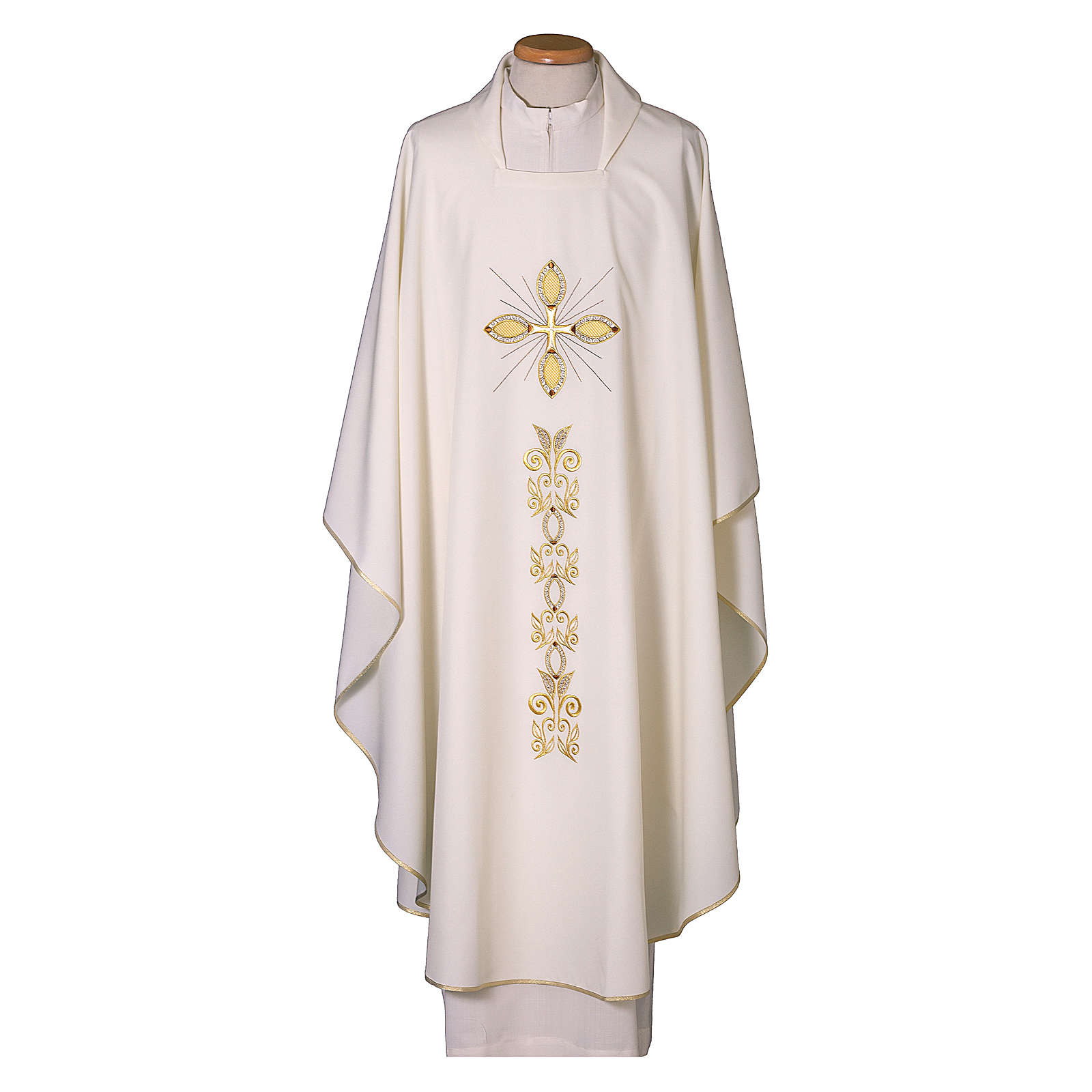 Chasuble 100% polyester with machine embroidery 4