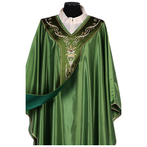 Chasuble in silk wool with embroidery 5