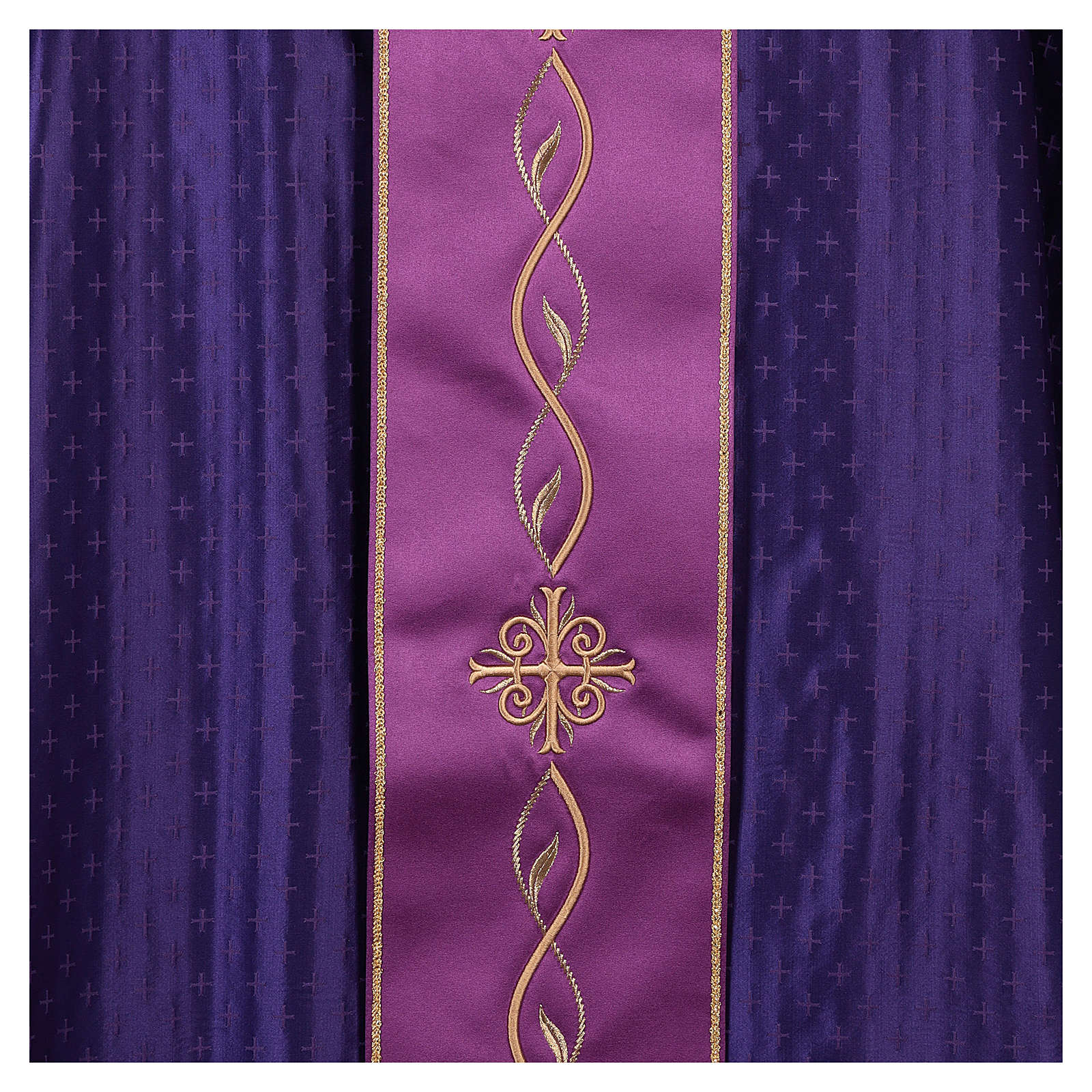 Chasuble in wool with embroidered gallon 4