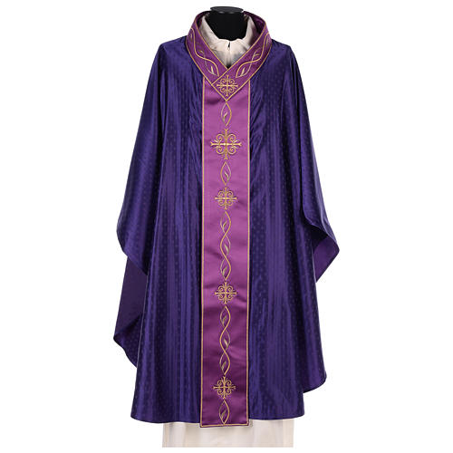Chasuble in wool with embroidered gallon 1