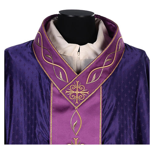 Chasuble in wool with embroidered gallon 2