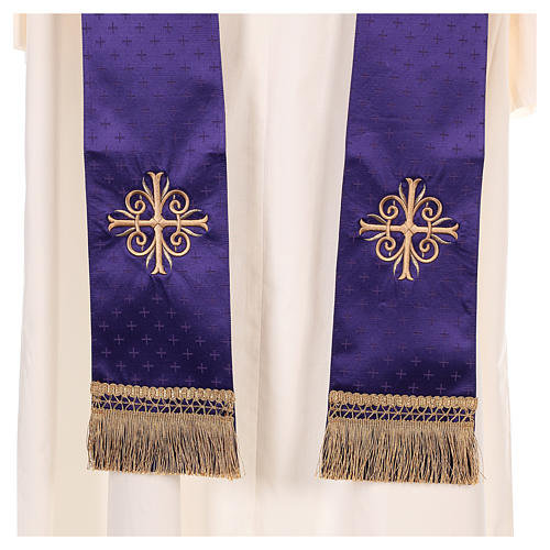 Chasuble in wool with embroidered gallon 9