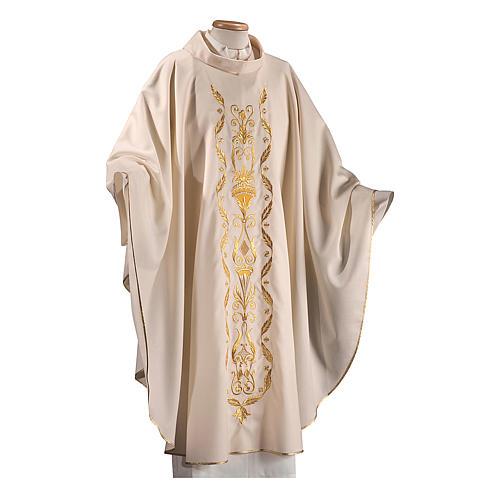 Casula su un tessuto di pura lana con ricamo applicato direttamente sul mantello 1