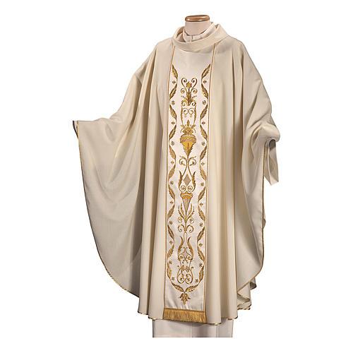 Casula su un tessuto di pura lana con ricamo applicato direttamente sul mantello 3