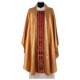 Chasuble in broderie fabric with red gallon, gold s1