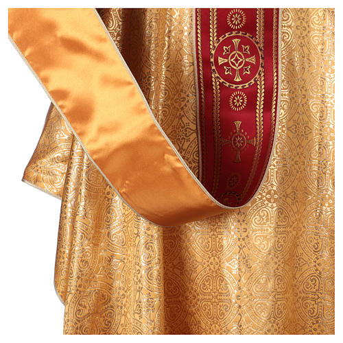 Chasuble in broderie fabric with red gallon, gold 5