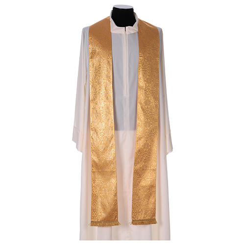 Chasuble in broderie fabric with red gallon, gold 6