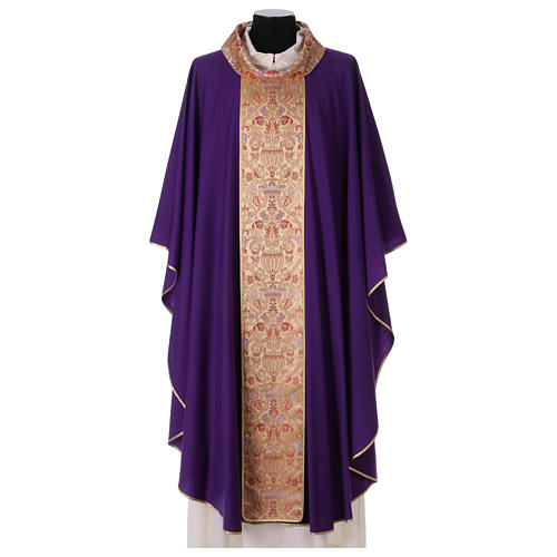 Catholic Priest Chasuble in pure wool with lampas gallon and neckline 1
