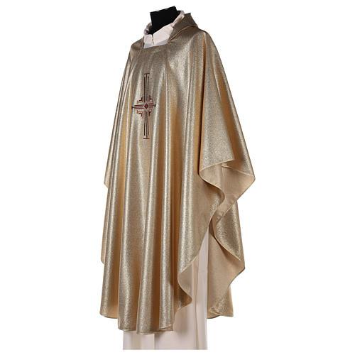 Casula in poliestere oro con ricamo di croce a macchina su mantello 3