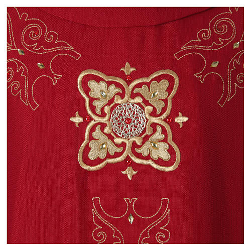 Chasuble and stole with embroidery, Italian neckline 2
