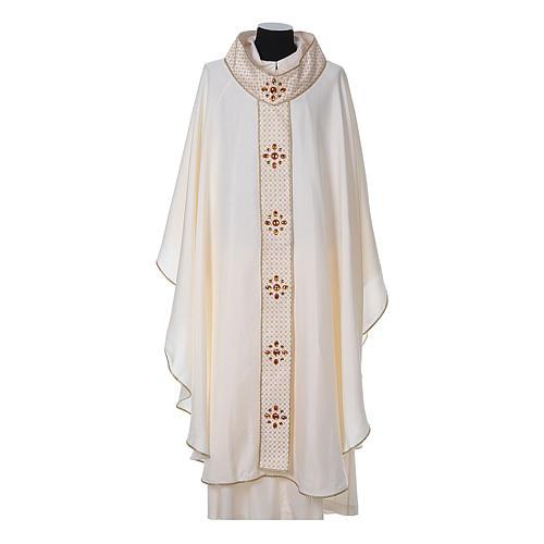 Chasuble and stole, Italian neckline 5
