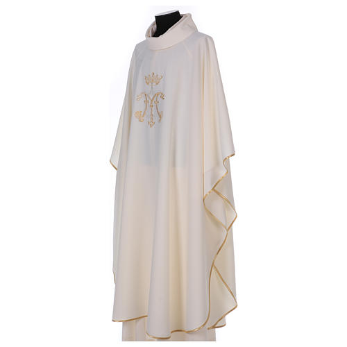 Casulla bordada símbolo mariano 100% poliéster 3