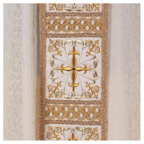 Kasel mit bestickten Mittelstab goldenen Kreuze 2
