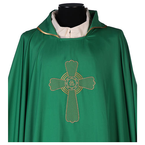 Casulla poliéster bordado cruz decorada 2