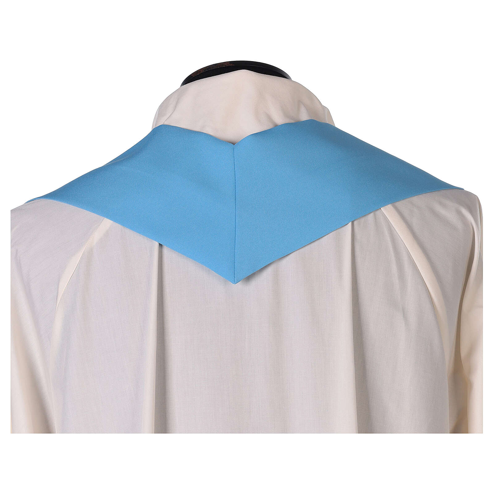 Chasuble bleu clair uni 100% polyester simple 4
