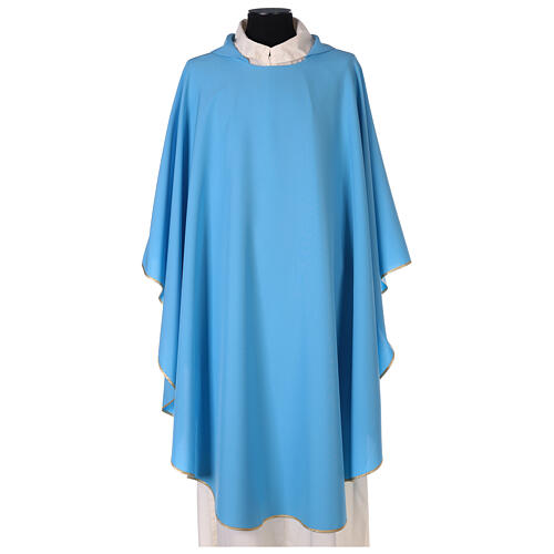 Chasuble bleu clair uni 100% polyester simple 1