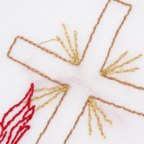 Linge d'autel avec amict croix lampe 3