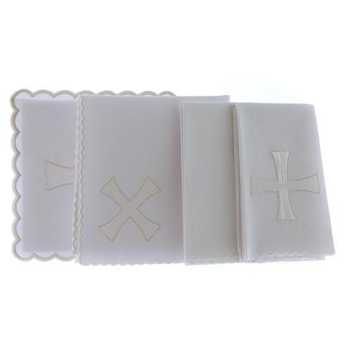 Kelchwäsche aus Baumwolle mit gesticktem Kreuz in den Farben Weiß und Silber 2