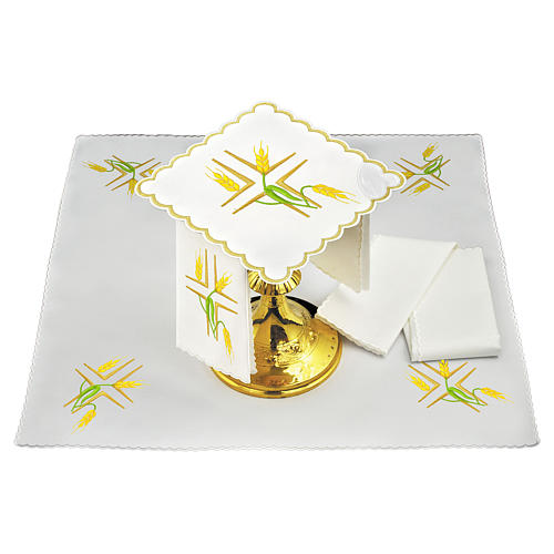 Conjunto altar linho espigas trigo amarelas e caules verdes 2