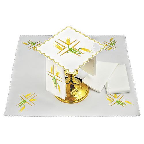 Conjunto altar linho espigas trigo amarelas e caules verdes 1