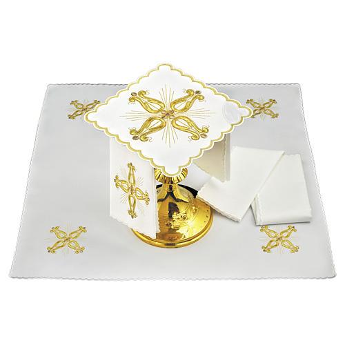 Conjunto altar linho cruz dourada barroca com flor central 1